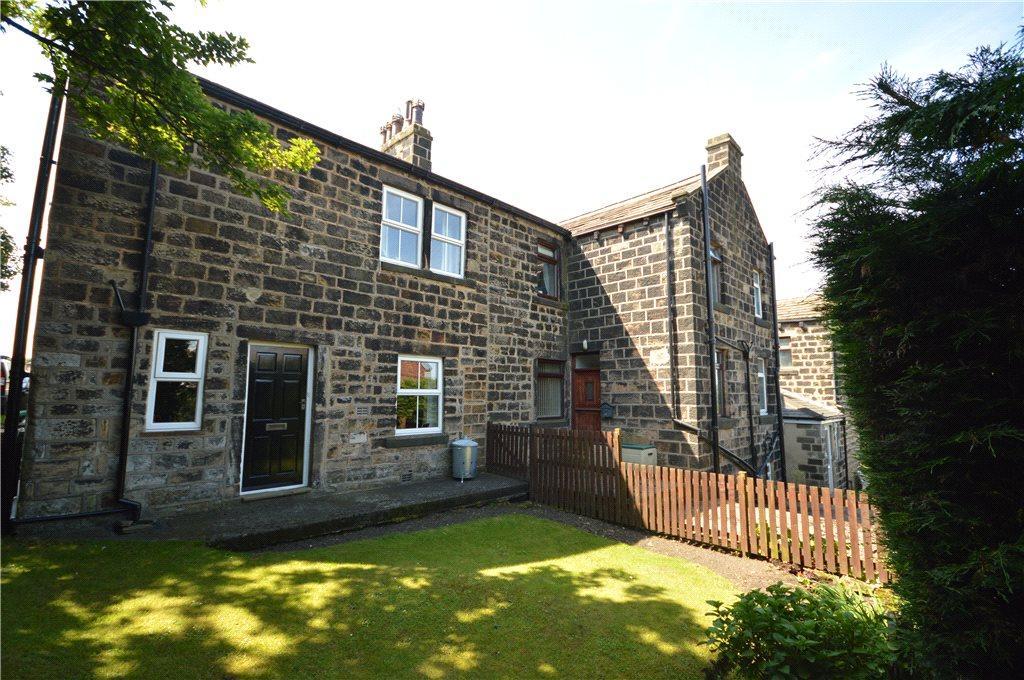 3 Bedrooms Terraced House for sale in Manor Terrace, Yeadon, Leeds, West Yorkshire