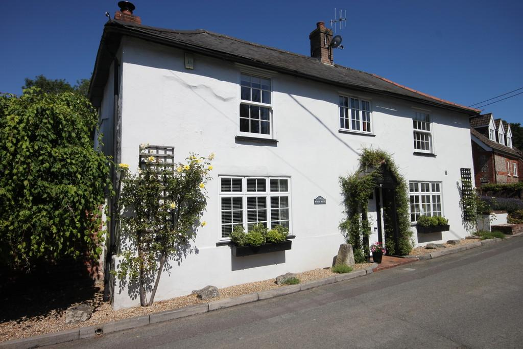 3 Bedrooms Detached House for sale in CHURCH ROAD, IDMISTON, SALISBURY, WILTSHIRE, SP4 0AT