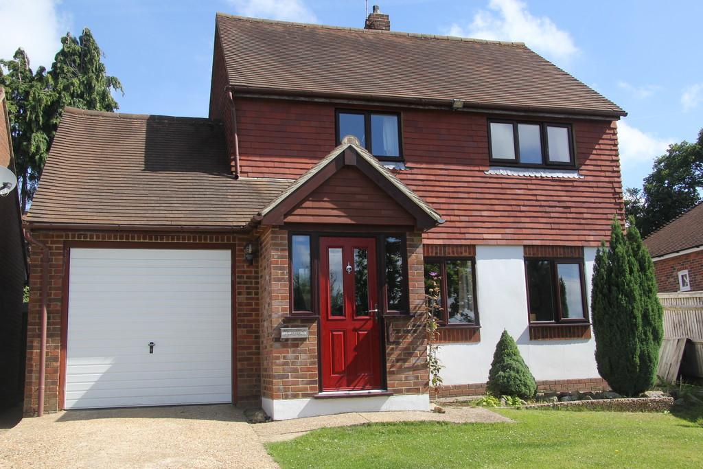 3 Bedrooms Detached House for sale in Heathfield Road, Burwash Weald