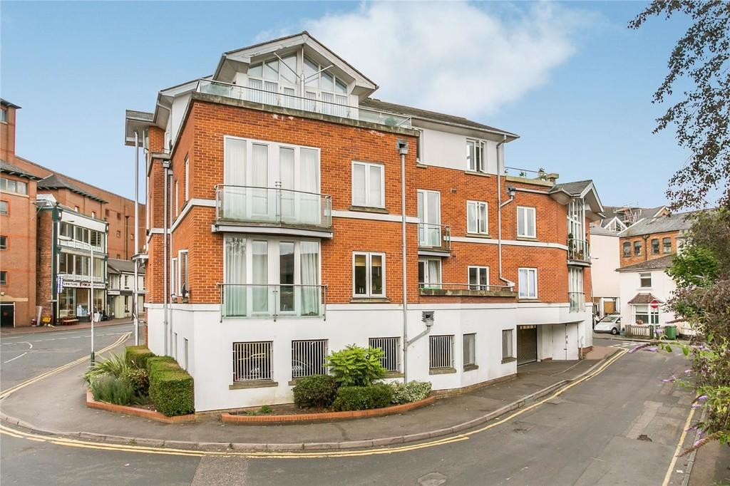 3 Bedrooms Apartment Flat for sale in Goods Station Road, Tunbridge Wells
