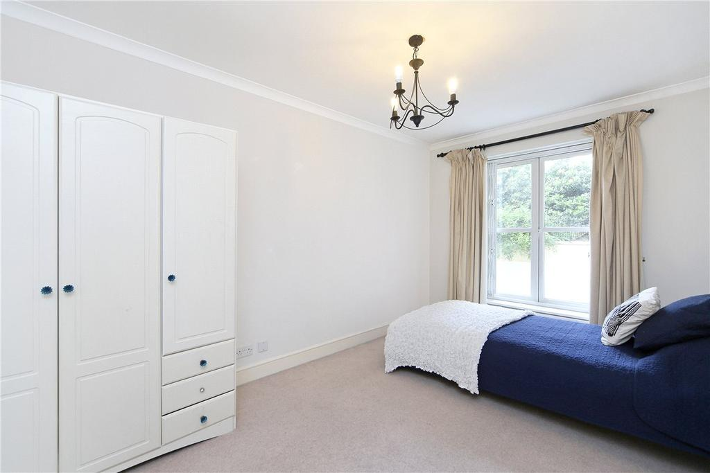 2 Bedrooms Apartment Flat for sale in Bishops Court, 76 Bishops Bridge Road, Bayswater, London, W2