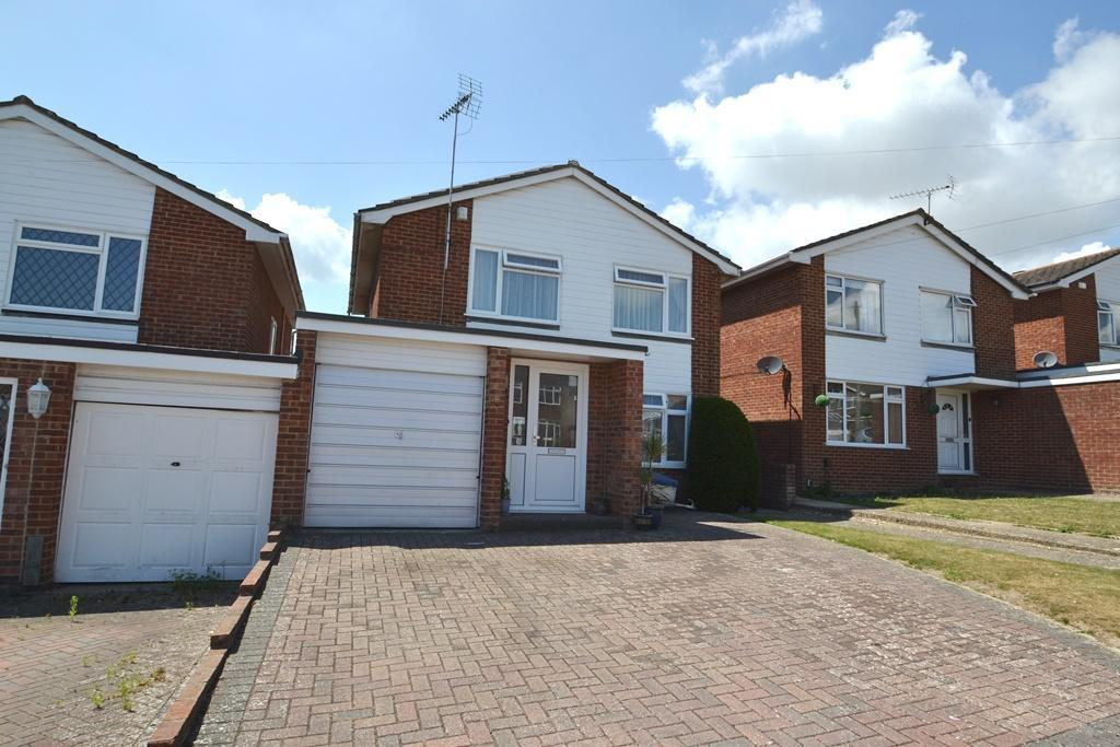 4 Bedrooms Detached House for sale in Colne Close, Durrington, BN13 3LP