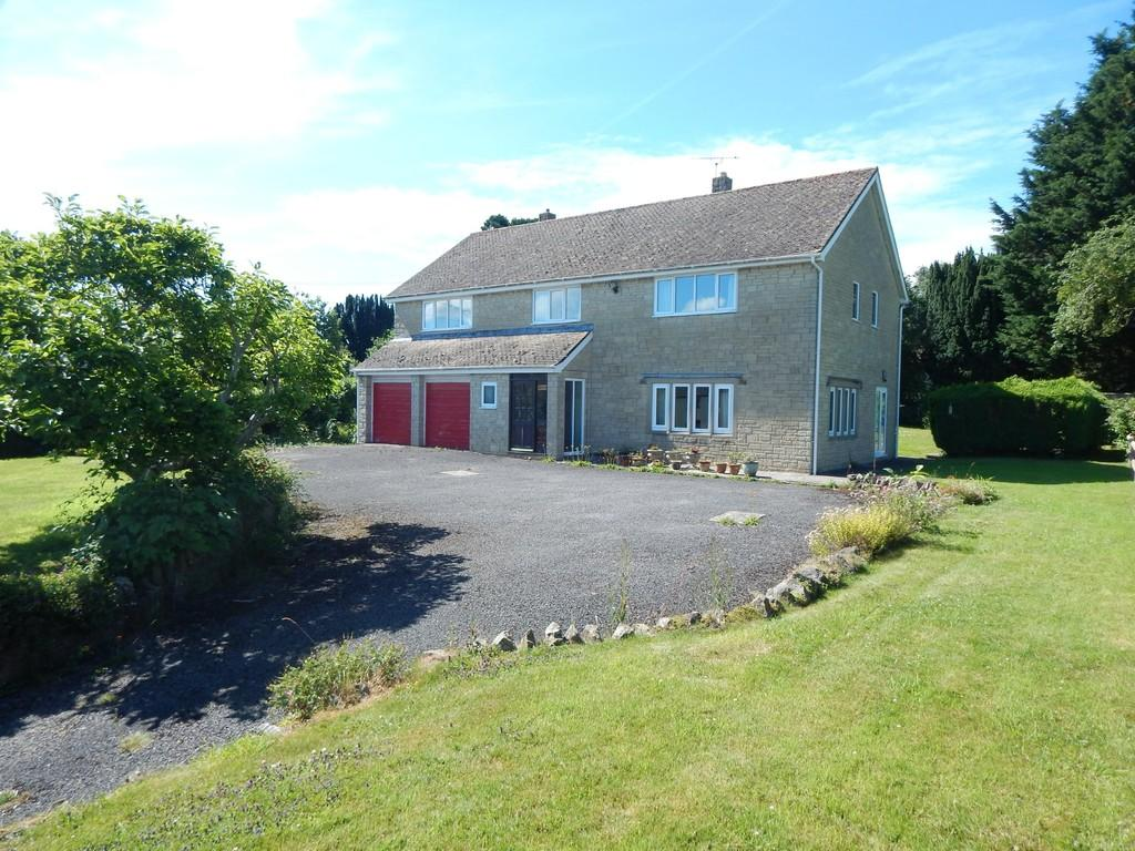 4 Bedrooms Detached House for sale in Queens Square, Ditcheat