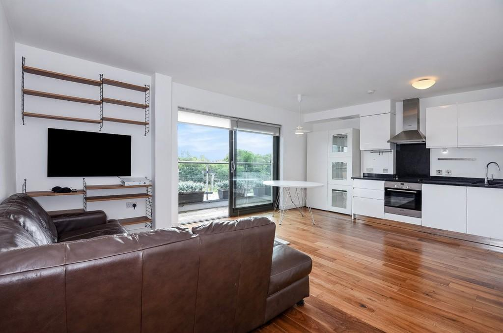 2 Bedrooms Apartment Flat for sale in Stroud Green Road N4 3FB