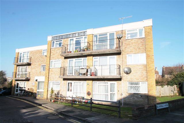 2 Bedrooms Flat for sale in Lyndhurst Road, Hove