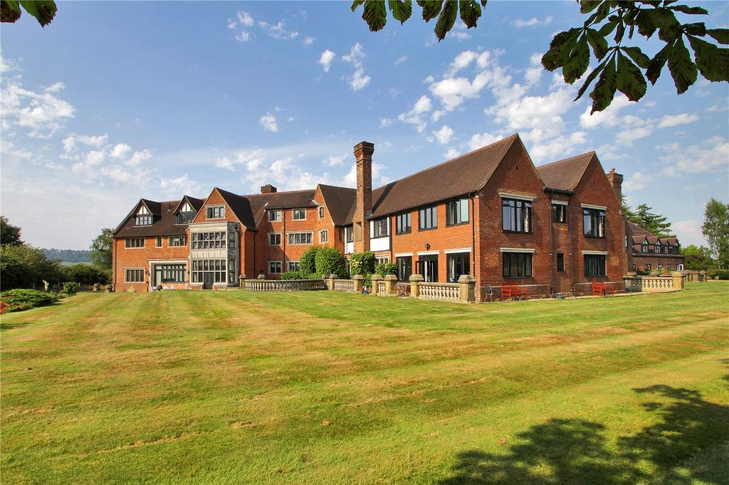 3 Bedrooms Apartment Flat for sale in Neb Lane, Old Oxted, Surrey, RH8
