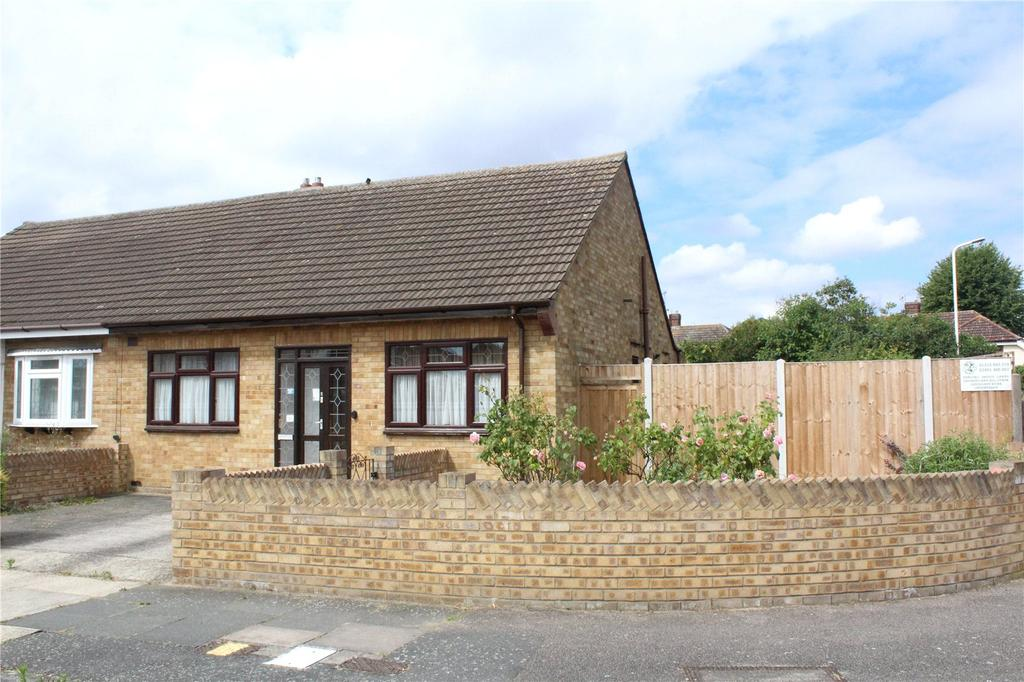 2 Bedrooms Semi Detached Bungalow for sale in Canberra Close, Hornchurch, RM12