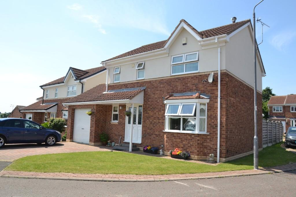 4 Bedrooms Detached House for sale in Fenton Close, South Kirkby, Pontefract