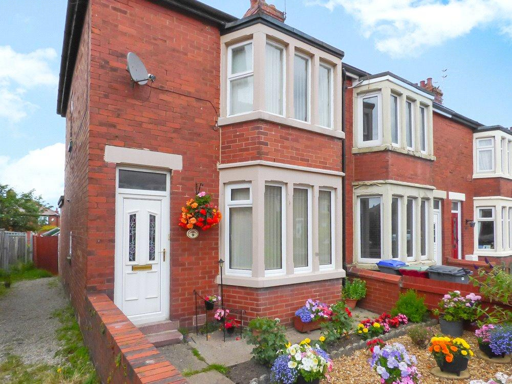 3 Bedrooms Link Detached House for sale in Quernmore Avenue, Stanley Park, Blackpool
