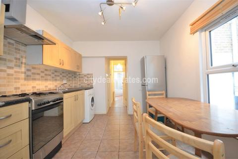 3 bedroom flat to rent - Delorme Street, Hammersmith W6 8DT