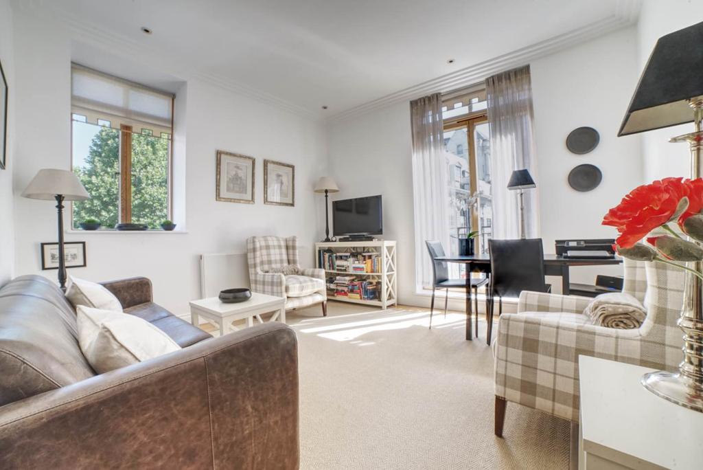 2 Bedrooms Flat for sale in Westminster Green, 8 Dean Ryle Street, SW1P
