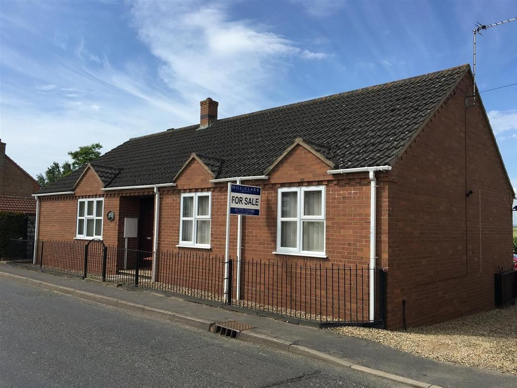 3 Bedrooms Detached Bungalow for sale in Six House Bank, West Pinchbeck, PE11