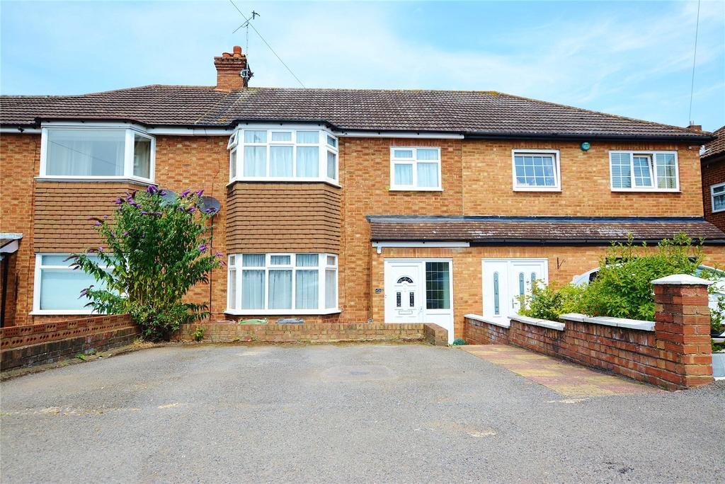 3 Bedrooms Terraced House for sale in Park Avenue, Bushey, Hertfordshire, WD23