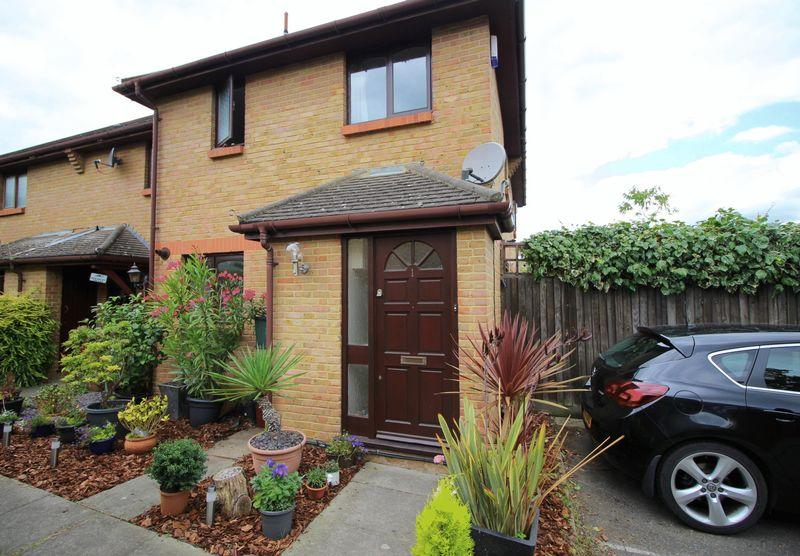 1 Bedroom End Of Terrace House for sale in Peatfield Close, Sidcup, DA15 7JS