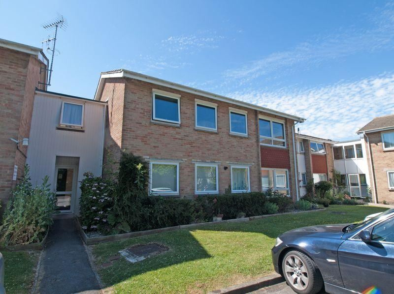 2 Bedrooms Apartment Flat for sale in Felpham, West Sussex