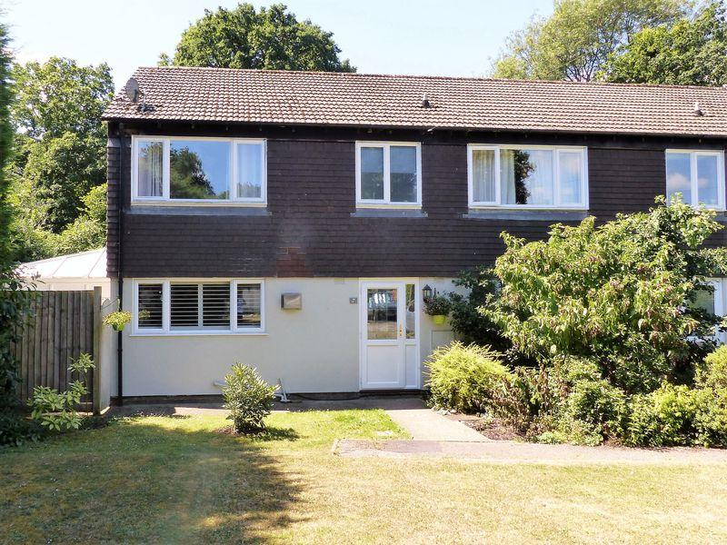 3 Bedrooms Terraced House for sale in Cranleigh, Cranleigh