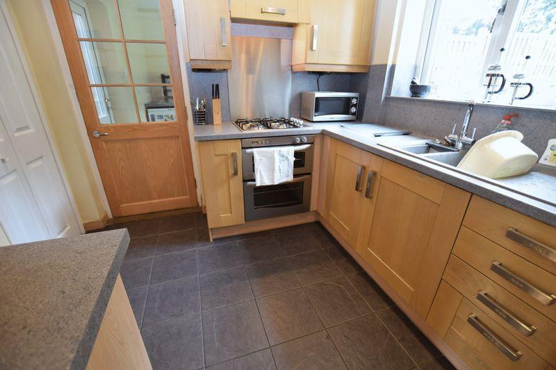 2 Bedrooms Semi Detached House for sale in Lovetot Road, Kimberworth Park
