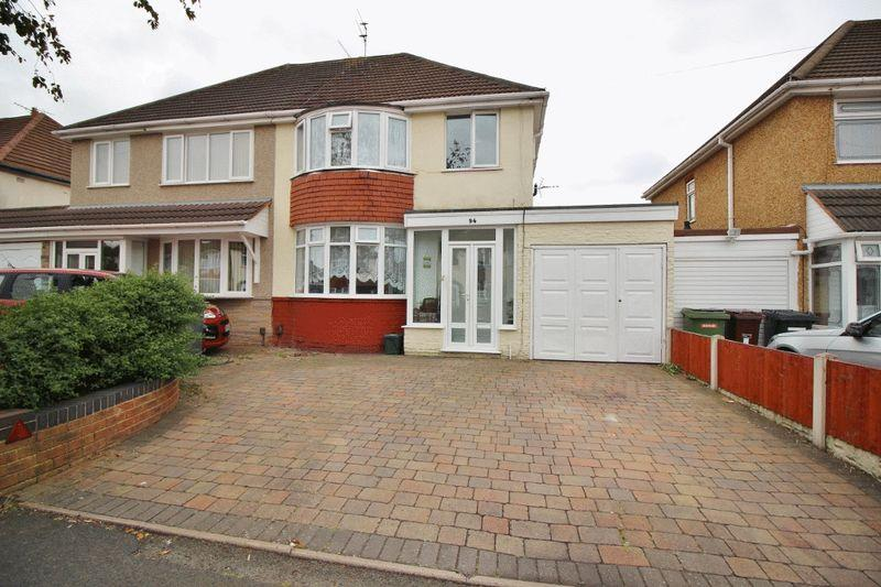 3 Bedrooms Semi Detached House for sale in Winchester Road, Oxley