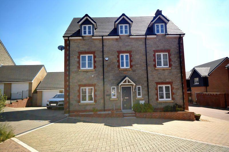 5 Bedrooms Detached House for sale in Llys Yr Onnen, Bridgend