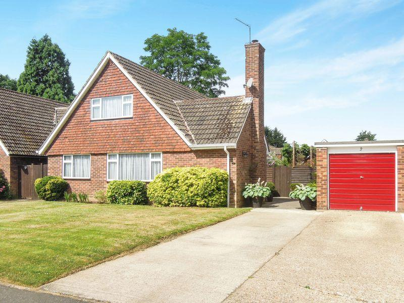 4 Bedrooms Detached House for sale in Brackenforde, Langley