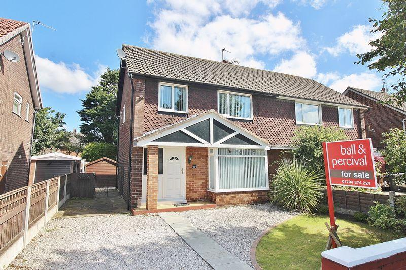 3 Bedrooms Semi Detached House for sale in Woodvale Road, Ainsdale