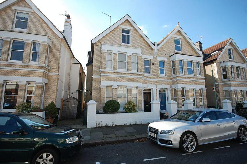 Studio Flat for rent in Lawrence Road, Hove