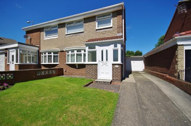 3 Bedrooms Semi Detached House for sale in Stockley Avenue, Wear View, SR5