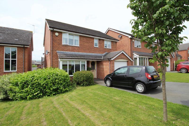 4 Bedrooms Detached House for sale in Caer Efail, Wrexham
