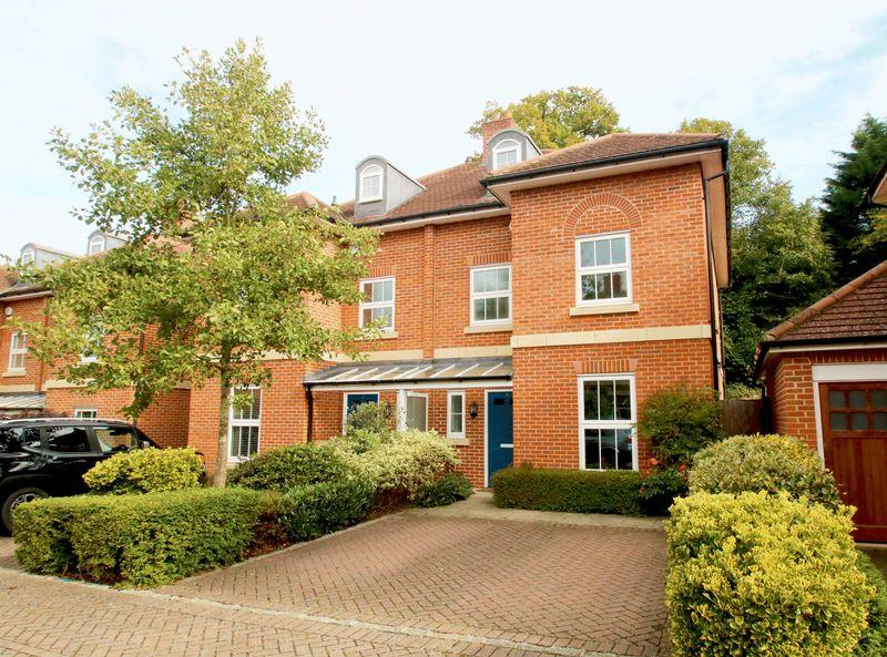 3 Bedrooms Town House for sale in Thame, Oxfordshire