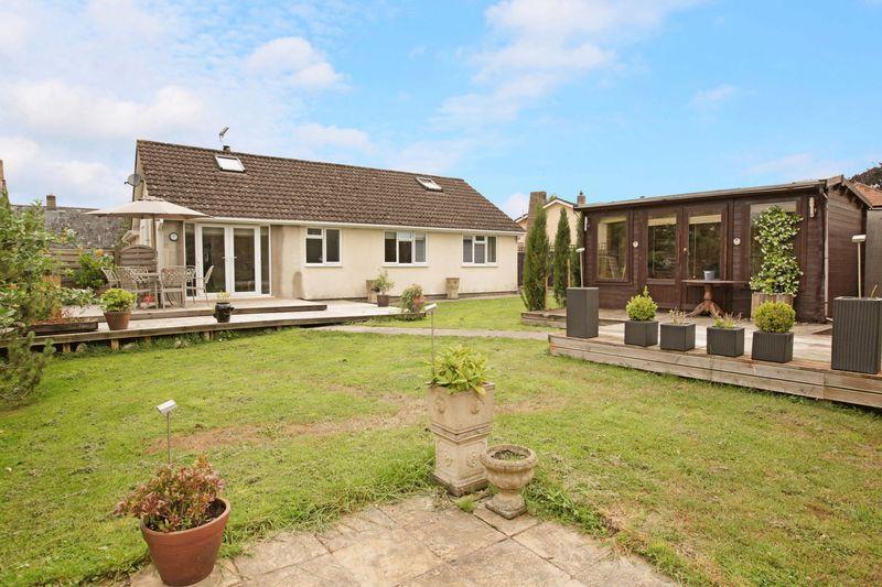 3 Bedrooms Bungalow for sale in Highbanks Redmans Hill,Blackford, Wedmore