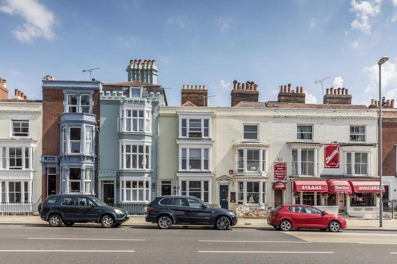 4 Bedrooms Terraced House for sale in Bellevue Terrace, Southsea