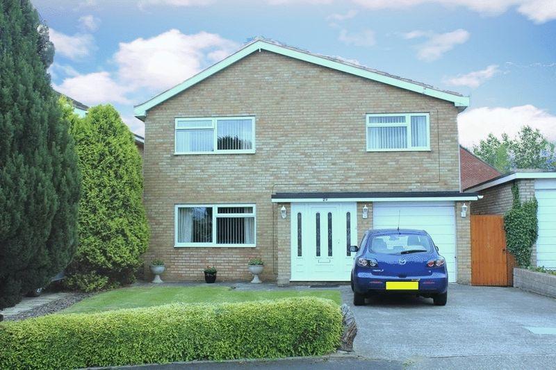 4 Bedrooms Detached House for sale in Whittington Close, Sundorne, Shrewsbury, SY1 4TG