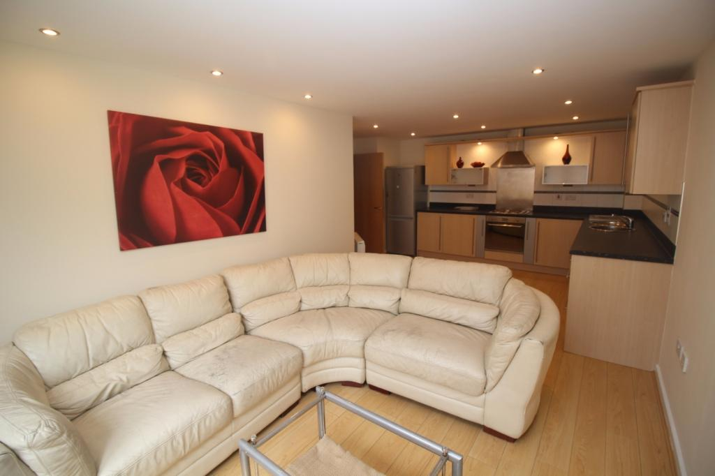 2 Bedrooms Apartment Flat for sale in Gilbert House Elmira Way, Salford, M5