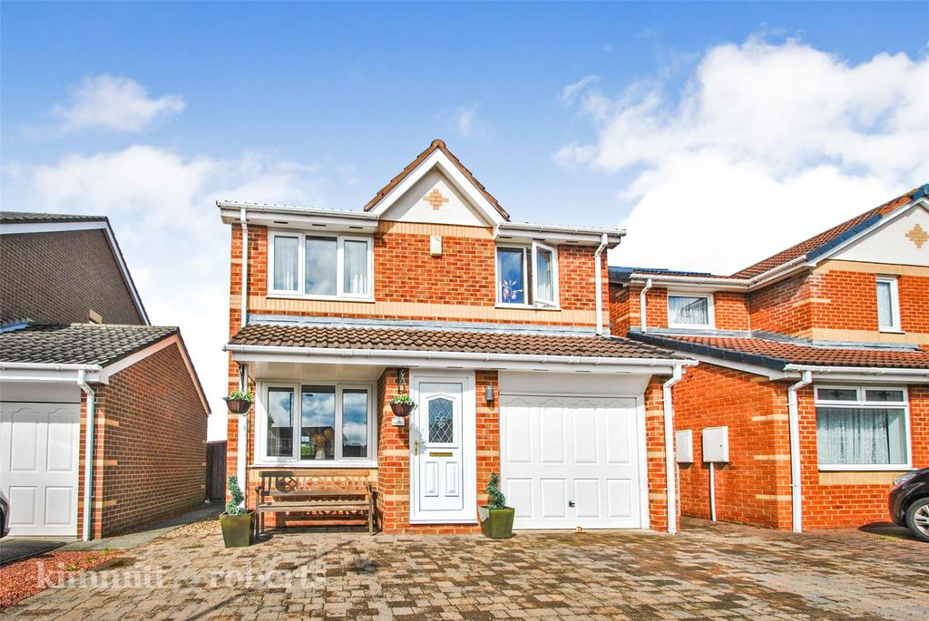 3 Bedrooms Detached House for sale in Birkdale Drive, The Fairways, Shiney Row, DH4