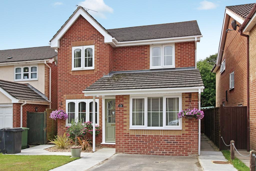 3 Bedrooms Detached House for sale in PEAKFIELD. DENMEAD