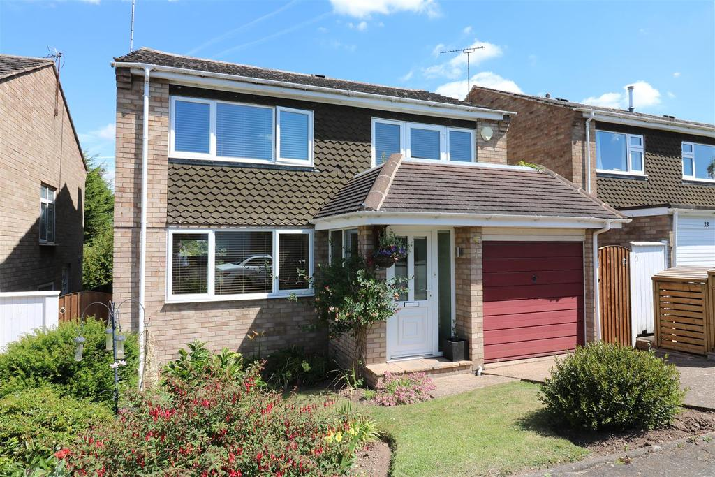 4 Bedrooms Detached House for sale in Cornwall Close, Warwick