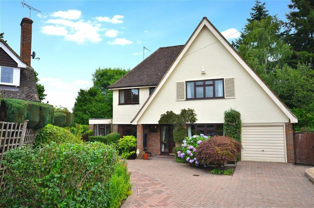 5 Bedrooms Detached House for sale in Dove Park, Chorleywood, Hertfordshire