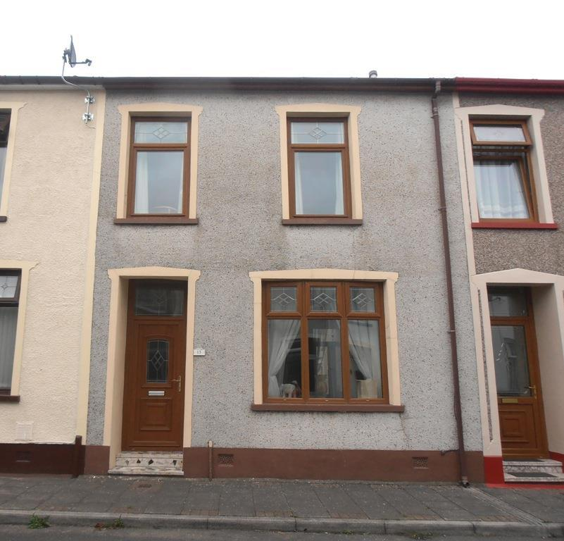 3 Bedrooms Terraced House for sale in Penybryn Street, Gadlys