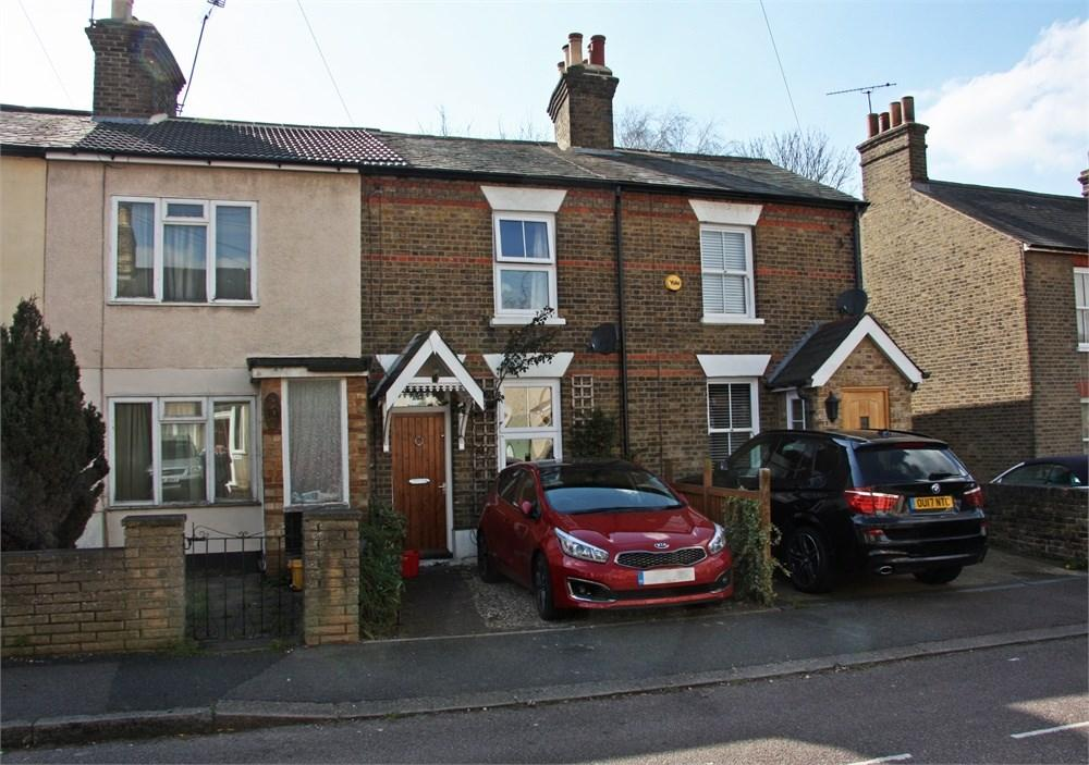2 Bedrooms Terraced House for sale in Milton Road, Warley, Brentwood, CM14