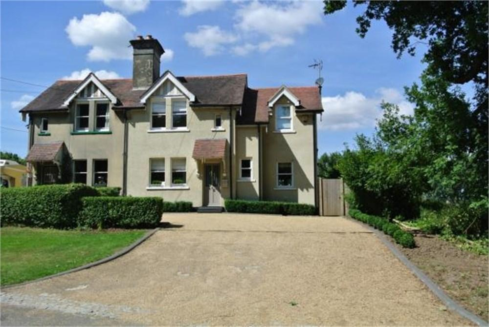 3 Bedrooms Semi Detached House for sale in Hall Lane, Shenfield, Brentwood, CM15