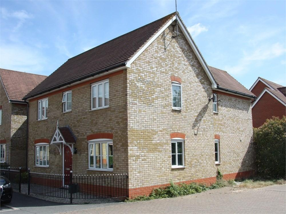 4 Bedrooms Link Detached House for sale in Berwick Avenue, Chelmsford, CM1
