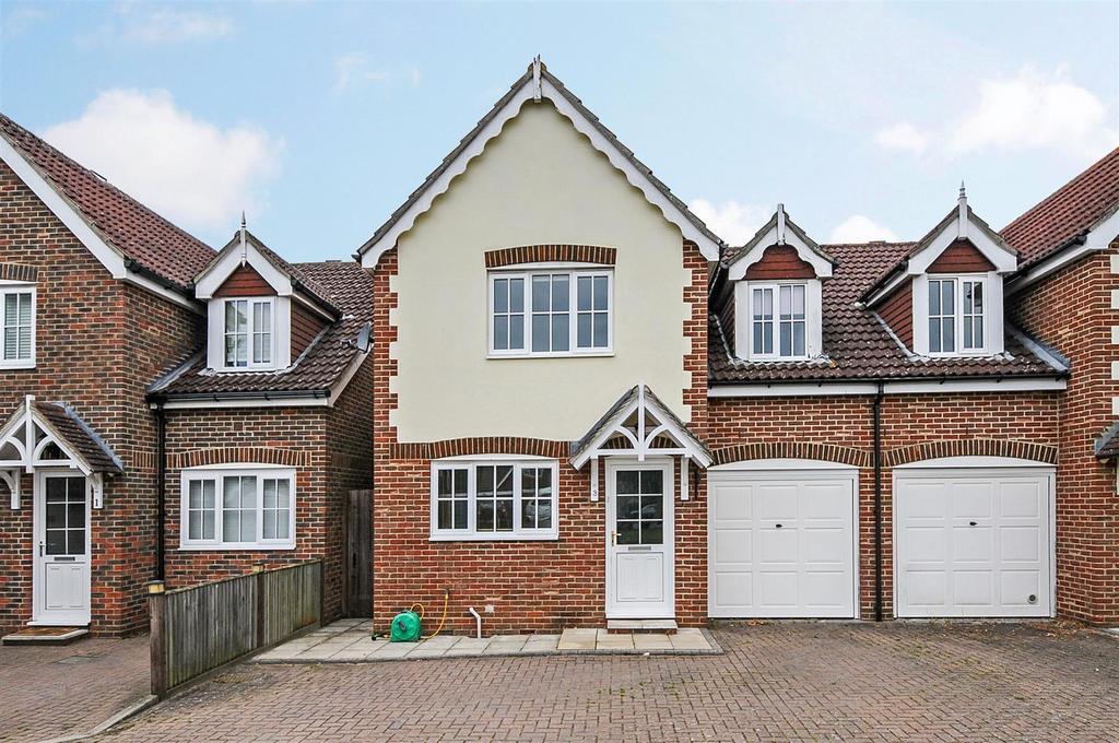 4 Bedrooms Semi Detached House for sale in Oak Tree Lane, Woodgate