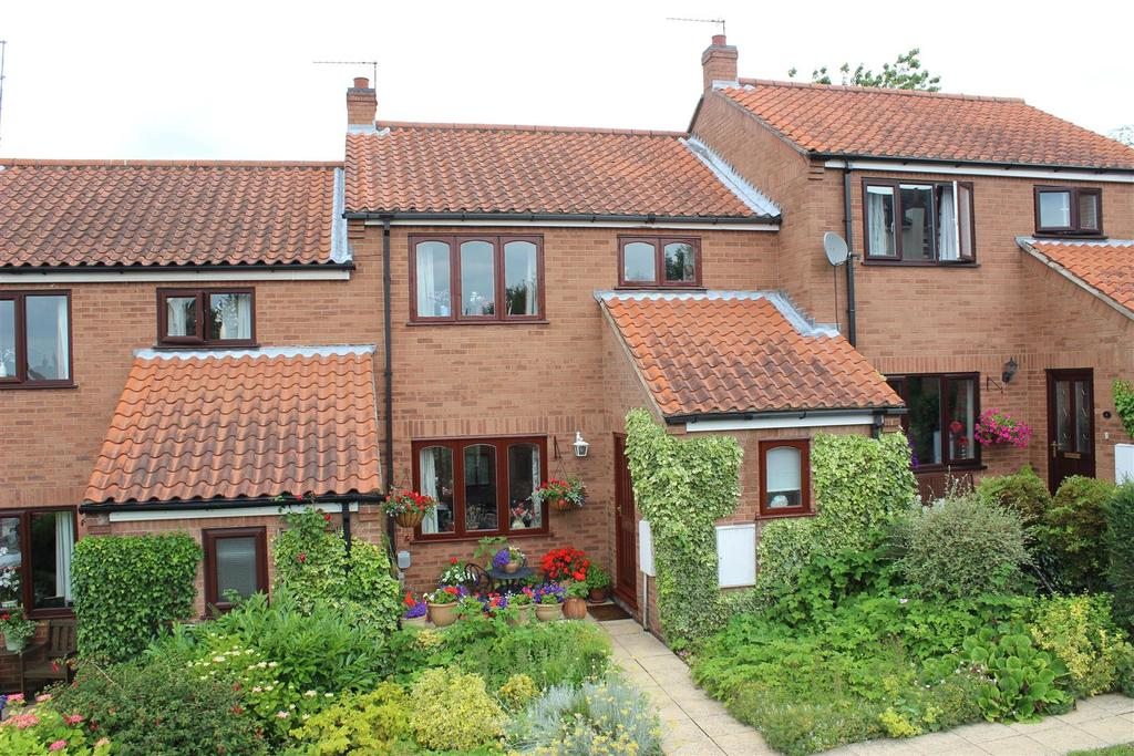 3 Bedrooms Town House for sale in Raikes Court, Welton, Brough