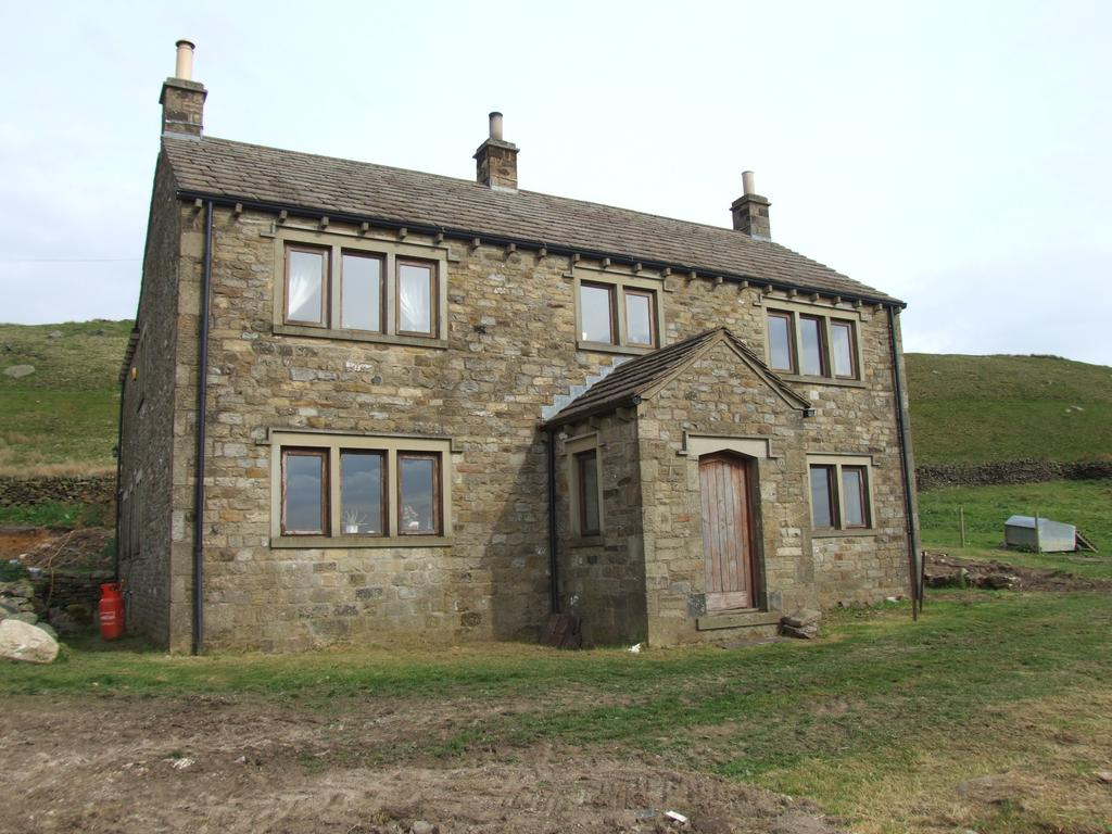 4 Bedrooms Detached House for sale in Rough Holden House, Holden Lane, Silsden BD20 0LS