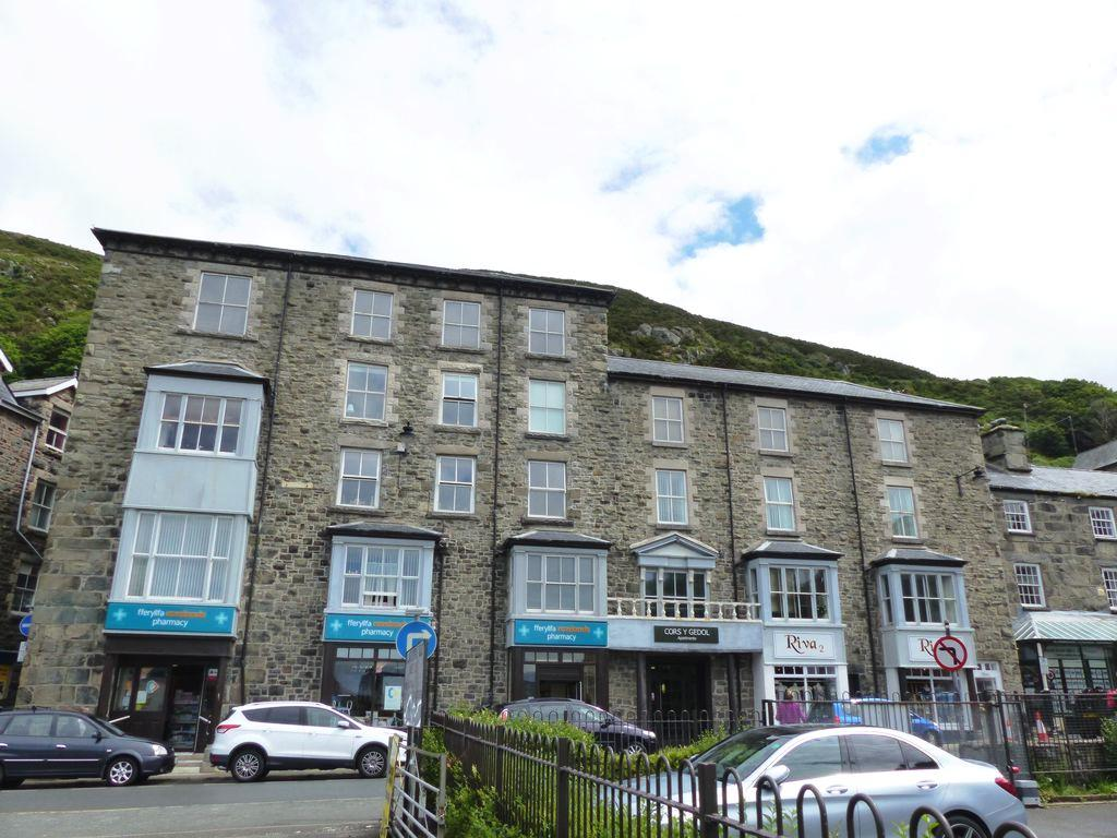 2 Bedrooms Apartment Flat for sale in High Street, Barmouth, LL42