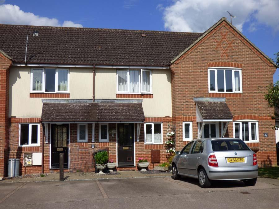 2 Bedrooms House for sale in Mocatta Way, Burgess Hill, RH15