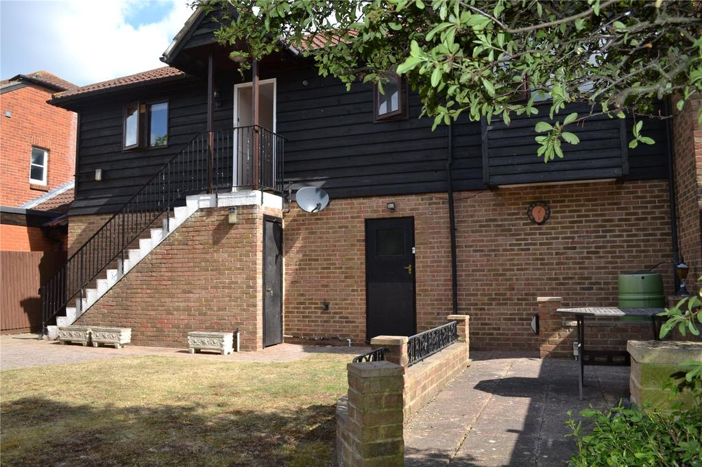 2 Bedrooms Semi Detached House for sale in Gooch Close, Twyford, Berkshire, RG10