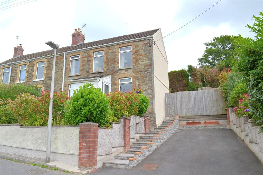 3 Bedrooms Semi Detached House for sale in Brynaeron, Dunvant, Swansea