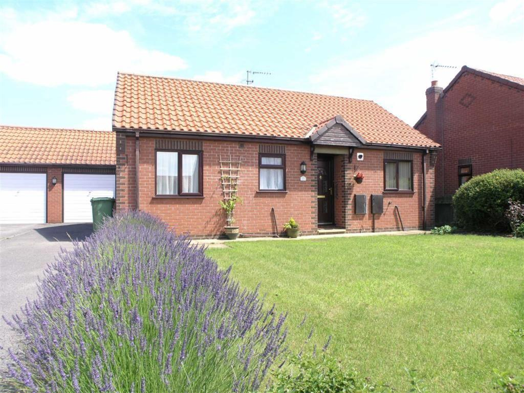 2 Bedrooms Detached Bungalow for sale in Angus Drive, Driffield, East Yorkshire