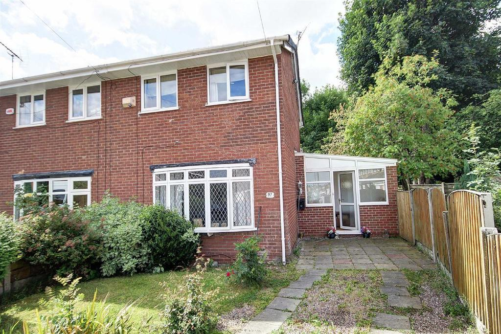 3 Bedrooms Semi Detached House for sale in Amberwood Drive, Baguley, Manchester